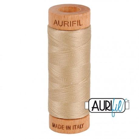 Fil de coton Mako 80 Aurifil - Beige doré 2326