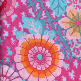 Tissu patchwork Grandes fleurs fond rose