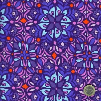 Tissu patchwork fleurs bleues et roses fond violet - Voyage de Kate Spain