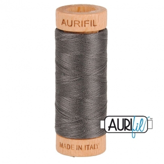 Fil de coton Mako 80 Aurifil - Gris Taupe 2630
