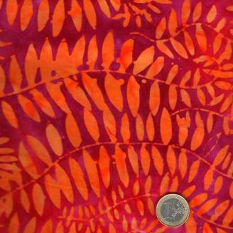 Tissu batik Kaffe Fassett - Fougères oranges fond fuchsia (Fronds tangerine) - Artisan