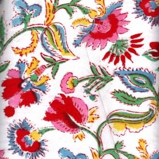 Voile de coton indien - fleur rouge/rose/bleu fond blanc cassé