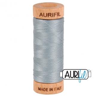 Fil de coton Mako 80 Aurifil - Gris bleuté 2610