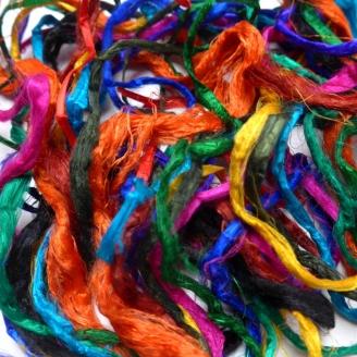 Bandes de soie multicolores