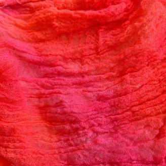 Gaze teinte à la main rouge fuchsia de Stef Francis