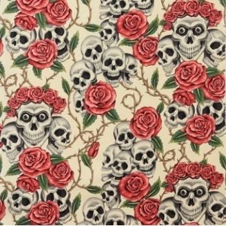 "Tissu patchwork têtes de mort et roses fond écru ""The rose tatoo"""