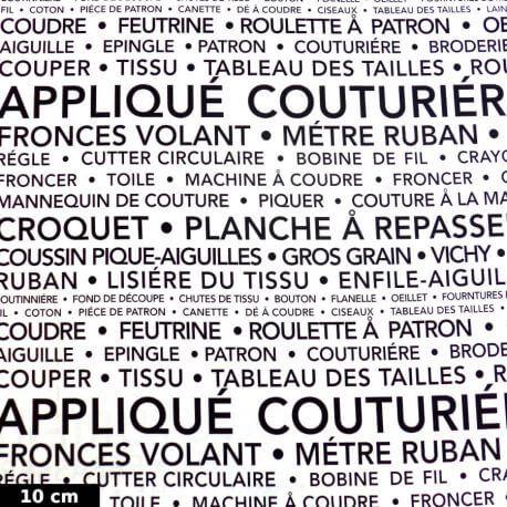 Tissu patchwork la couture en quelques mots fond blanc - Couture Parisienne