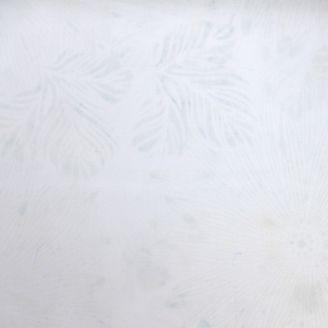 Tissu batik branchages écrus ton sur ton