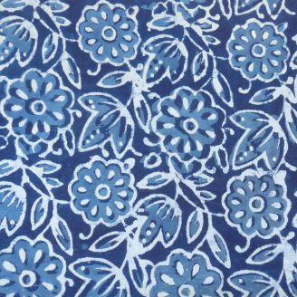 Voile de coton indien - fleur bleue fond indigo