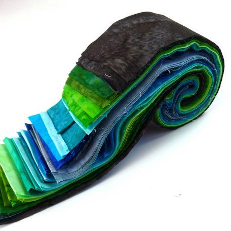 Joli roll de tissus patchwork batik couleurs froides