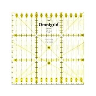 Règle patchwork carrée de 15 x 15 cm